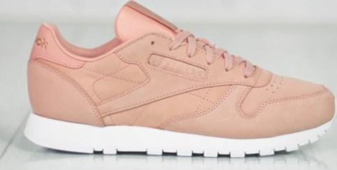 Beżowe buty damskie reebok, wiosna 2020 w Domodi