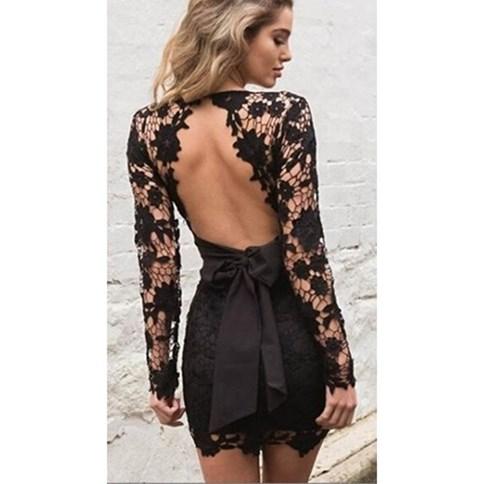 457715b5f4 Czarna sukienka koronkowa z wycięciem na plecach