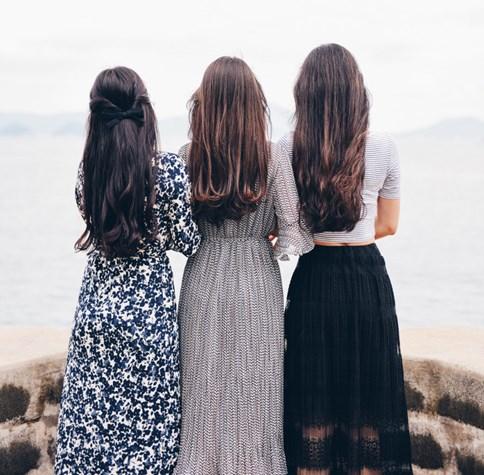 eab9ba27d4 Damskie sukienki na lato o długości maxi