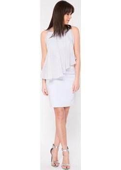 Dopasowana sukienka ze skośną falbaną Cotton Club Cotton Club - kod rabatowy