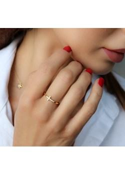 Złoty pierścionek krzyżyk z cyrkoniami- srebro 925 pozłacane 11 (16mm) coccola.pl - kod rabatowy