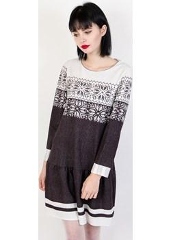 Biało czarna sukienka z motywem świątecznym  Olika olika.com.pl - kod rabatowy