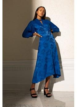 Żakardowa sukienka midi orsay.com - kod rabatowy