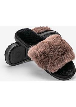 Brązowe klapki z futerkiem Fluffy slippers okazja HERS - kod rabatowy