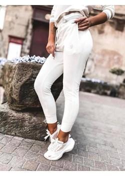 Białe spodnie dresowe WHITE NEW S lafemmeboutique.pl promocja - kod rabatowy