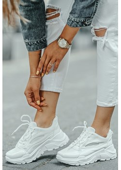 Białe sneakersy na platformie Serena   wyprzedaż HERS  - kod rabatowy