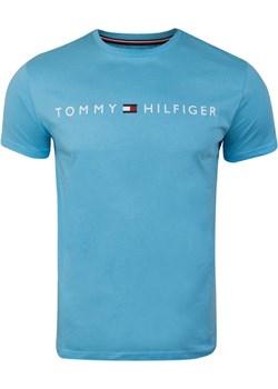TOMMY HILFIGER MĘSKA KOSZULKA T-SHIRT CN SS TEE LOGO BLUE UM0UM01434 CB6 Tommy Hilfiger wyprzedaż messimo - kod rabatowy