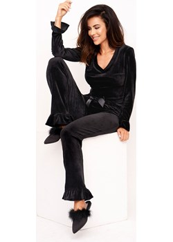 Dres damski Miley - welurowy czarny z długimi spodniami i rękawami z falbaną Bohomoss okazyjna cena BOHOMOSS - kod rabatowy