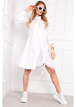 Oversize'owa sukienka z ozdobnymi marszczeniami i ściągaczami Parocca - kod rabatowy