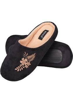 Klapki damskie SOXO kapcie z haftem czarne Sklep SOXO - kod rabatowy