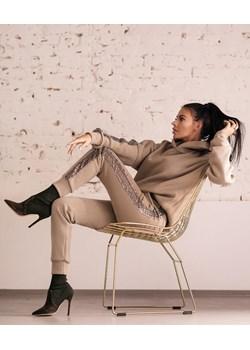 Komplet dresowy O'LA VOGA SEQUIN STRIPES khaki Olavoga Neli Fashion - kod rabatowy