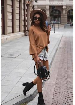 Camelowa lużna bluzka z długim rękawem NEW LOOK. lafemmeboutique.pl - kod rabatowy