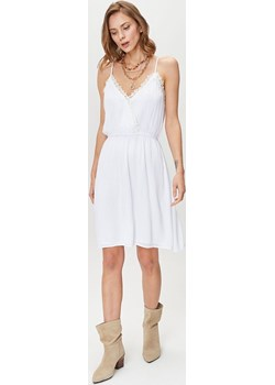 Zwiewna sukienka na ramiączkach Femestage okazja Femestage - kod rabatowy