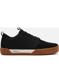 Cropp - Sneakersy ze skórzanymi elementami - Czarny Cropp Cropp - kod rabatowy