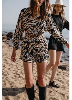 Bluzka z wiskozy w w fantazyjny print czarny-brąz-beż - SOLEO BY MARSALA Marsala - kod rabatowy