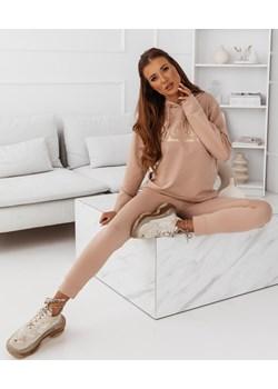 Beżowy komplet dresowy z modnym nadrukiem Sabinaa - beżowy Pakuten promocja pakuten.pl - kod rabatowy