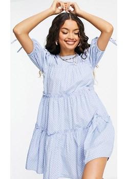 Influence Petite – Warstwowa sukienka mini w groszki z wiązanymi rękawami-Niebieski Influence Petite wyprzedaż Asos Poland - kod rabatowy