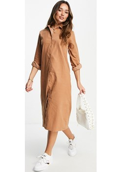 Urban Threads – Szarobrązowa sztruksowa sukienka koszulowa midi o kroju oversize-Brązowy Urban Threads wyprzedaż Asos Poland - kod rabatowy