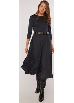 Plisowana sukienka midi MONNARI - kod rabatowy