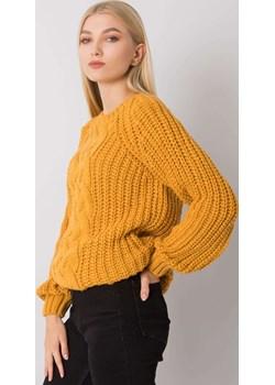 Musztardowy sweter z warkoczami Belfast RUE PARIS wyprzedaż netmoda.pl - kod rabatowy