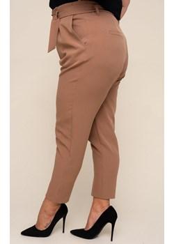 Camelowe spodnie eleganckie BARUA TONO - kod rabatowy
