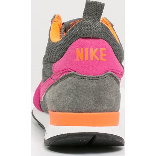 pretty nice 18439 65b61 ... Nike Sportswear INTERNATIONALIST MID Tenisówki i Trampki wysokie  rock fireberry total orange summit
