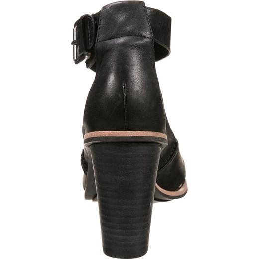 f70c25982ad3a ... Clarks ORIANA BESS Sandały black zalando czarny bez wzorów/nadruków ...