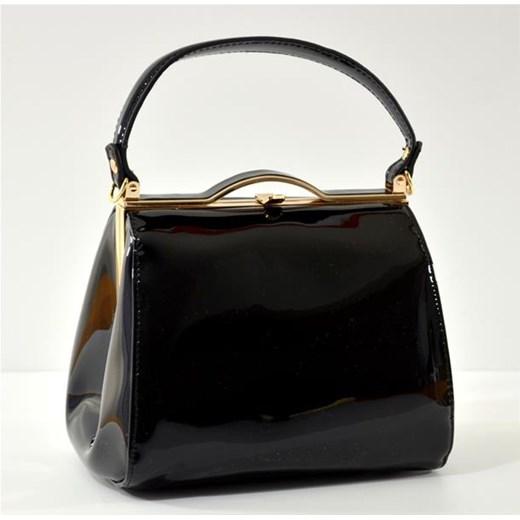 8a50eae58a8f2 Mała lakierowana czarna torebka kuferek cervandone-pl czarny elegancki