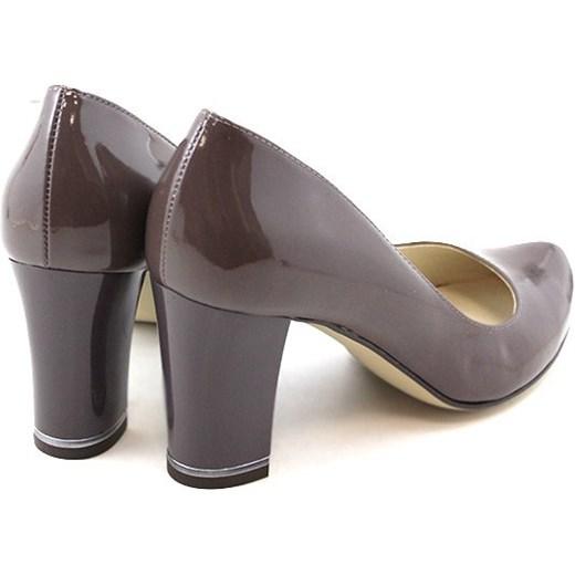 Hebanowe damskie stopy