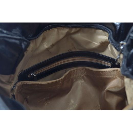 7ce9dfbf1c42b ... Czarna torebka worek ze wzorem skóry węża cervandone-pl szary elegancki