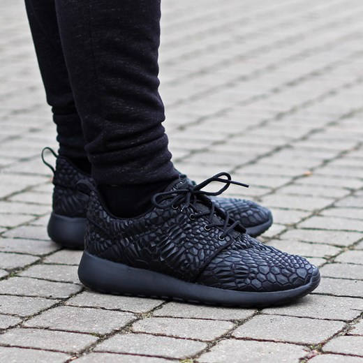 the latest 40f18 ea67f ... Nike Wmns Roshe One DMB