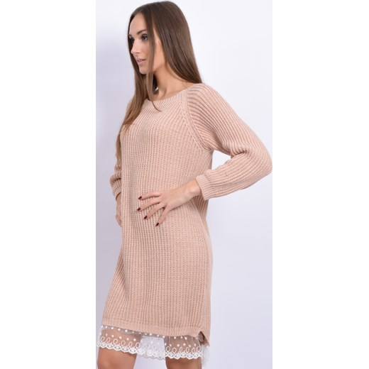 f4c393d149 ... Sukienka swetrowa z białą koronką pudrowy róż cocomoda-pl bezowy koronka  ...