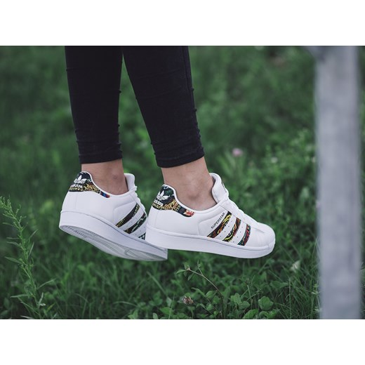 Buty damskie sneakersy adidas Originals Superstar x The Farm