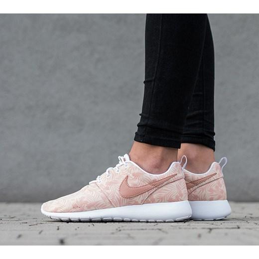 new arrival 3df63 72071 Buty damskie sneakersy Nike Roshe One Print (GS) 677784 200 Nike czarny 37,  ...