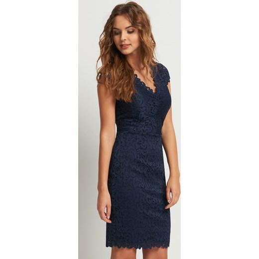 W Mega Ołówkowa sukienka z koronki Orsay orsay.com w Domodi IV05