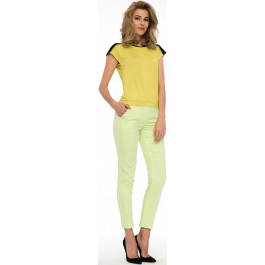 5db8427132 Limonkowa bluzka PABLA Potis verso zolty Eye For Fashion w Domodi