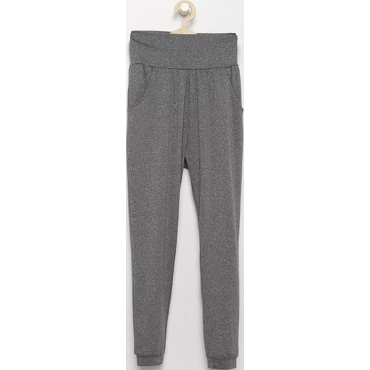 e54ce090379e Reserved - Spodnie dresowe z wysokim stanem - Czarny Reserved 158 ...