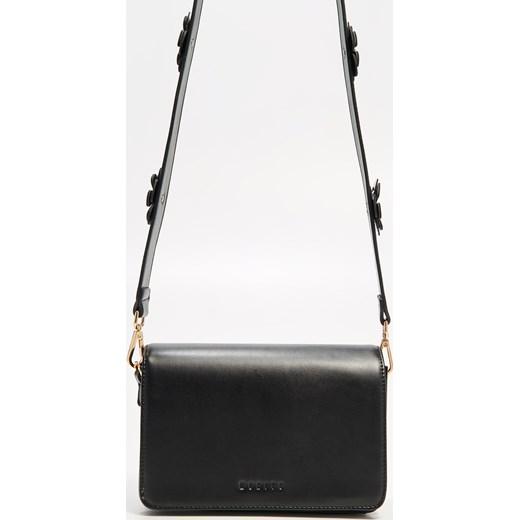 67350ad95e9ae ... Mohito - Mała czarna torebka - Czarny Mohito czarny One Size