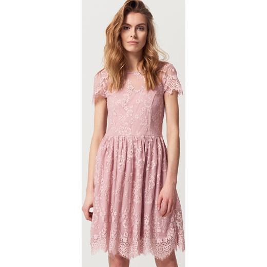 da37bfab44 Mohito - Koronkowa sukienka z wycięciem na plecach - Różowy Mohito 42 ...