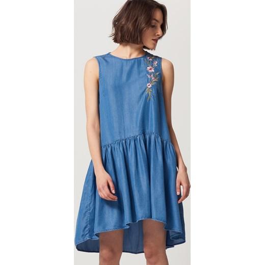 b290b283ae Jeansowa Sukienka Niebieski Sukienki Damskie Marki Mohito W. Mohito  Jeansowa Sukienka Z Haftem Niebieski W Domodi