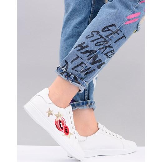 buty vans z naszywkami