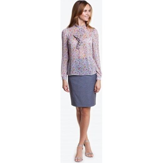 ae8130e7b8 Elegancka bluzka z żabotem Potis   Verso SHERI bezowy Potis verso 46  wyprzedaż Eye For Fashion ...