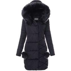 Długie kurtki zimowe damskie, chronią nasze nerki przed mrozami, przez co nie musimy się martwić, że za chwilę będziemy chorzy. Większość kurtek jest pikowana.