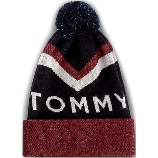 b3c1a50a36180 Czapka damska TOMMY HILFIGER - DENIM Tommy Chevron Pom Pom Beanie  AW0AW04275 413 czerwony Tommy Hilfiger