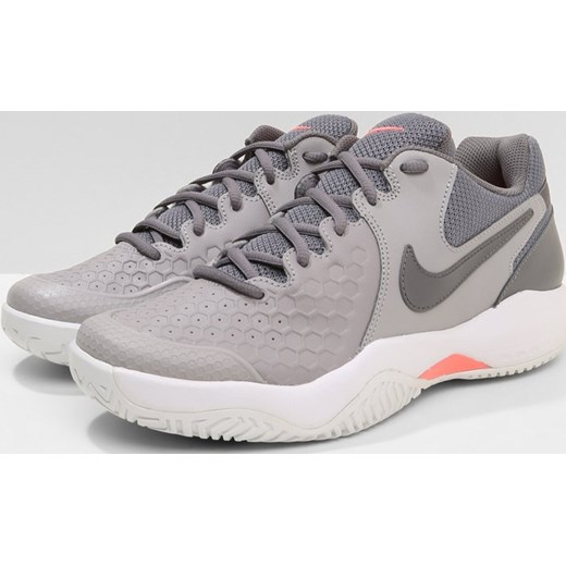 Nike PerformanceZOOM AIR RESISTANCE - Multicourt shoes - atmosphere grey/gunsmoke/lava glow/white 4lKQfCup