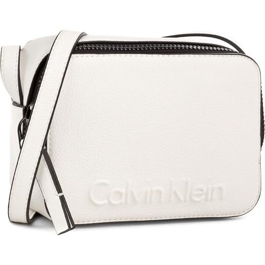 134021839bc41 Torebka CALVIN KLEIN BLACK LABEL - Edge Small Crossbody K60K604004 101  bezowy Calvin Klein Black Label