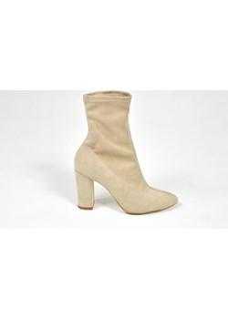 MargoShoes obcisłe przylegające beżowe botki model Kim Kardashian ze streczu na słupku  Margoshoes  - kod rabatowy