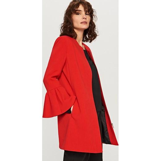 płaszcz zara czerwony z falbankami
