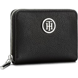 1576966e47733 Duży Portfel Damski TOMMY HILFIGER - Th Core Compact Za Wallet AW0AW05190  002