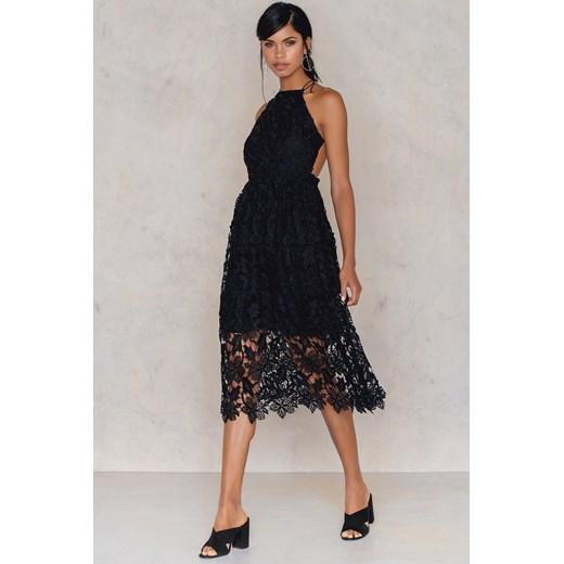 823e4849f9d0 Sukienka z ażurową koronką Na-kd Boho czarny w Domodi